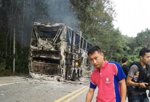 โจรใต้ 20 คนดักยึดรถทัวร์เบตง-กรุงเทพฯ เผาวอดยกคัน เชื่อเอี่ยวแกนนำหัว