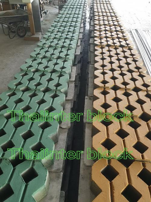 061-682-6267 โรงงานผลิต บล็อกตัวหนอน บล็อกแปดเหลี่ยม บล็อกปลูกหญ้า แผ่นทางเดิน บล็อกตัวไอ บล็อกหกเหลี่ยม ขอบคันหินคอนกรีต 094-645-6262