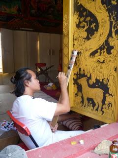 ผลิตและจำหน่ายภาพวาดแนวจิตรกรรมไทย งานศิลปะ รับวาดภาพประกอบหนังสือ  ไพ่  ชีวประวัติ  ออกแบบลวดลายไทย รับวาดภาพในโบสถ์ รับวาดตามสั่ง งานปั้นปูนทุกชนิด ปั้นลายตกแต่ง งานสั่งออเดอร์