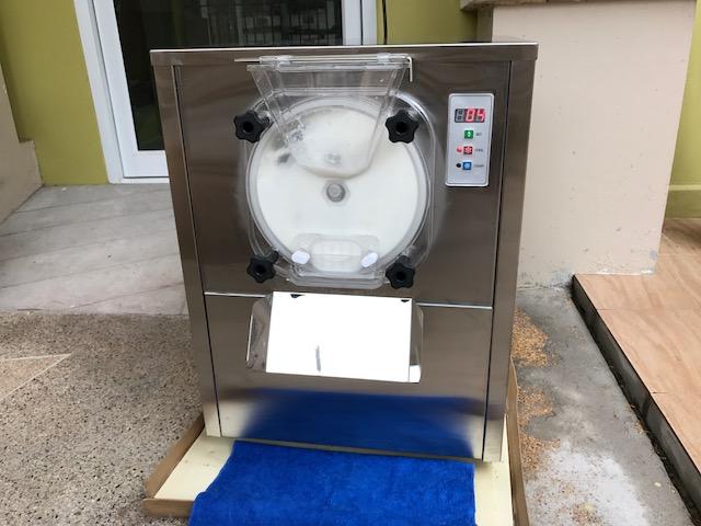 ขายเครื่องปั่นไอศกรีมใหม่แบบคอมเพรสเซอร์ โถ 5 ลิตร ราคาโปร 34,900 บาท